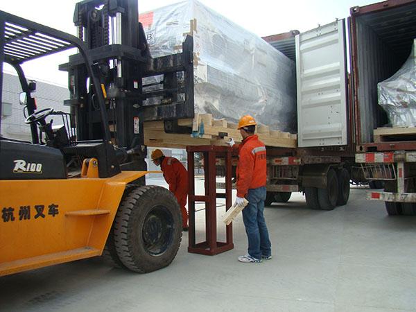 PCB钻孔机搬运卸车
